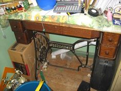 treadle sewing machine with drawers 4-3-16