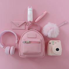 Various Features of Cute School Bags – Bags & Purses Pink Love, Cute Pink, Pretty In Pink, Organizer Box, Cute Headphones, Tout Rose, Mode Kawaii, Accessoires Iphone, Cute School Supplies