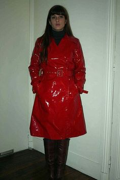 Amazing in a Trench Red Raincoat, Vinyl Raincoat, Raincoat Jacket, Vintage Underwear, Pvc Coat, Rain Gear, Raincoats For Women, Glamour, Sexy