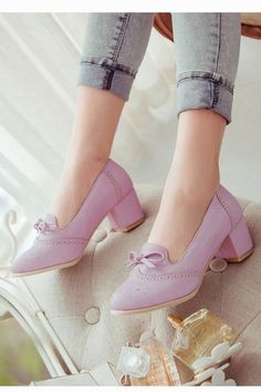 This item is shipped in 48 hours, including the weekends. A low heel pump with a cute bow,perforations features moisture management to keep feet comfortable all day long. Material: Man made leather. H