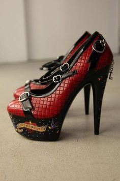 I have these, super cute.... Hurts to walk in.. :(