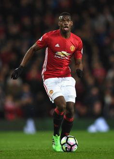 Paul Pogba of Manchester United in action during the Premier League match between Manchester United and Everton at Old Trafford on April 4, 2017 in Manchester, England.
