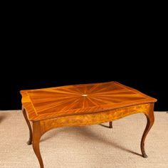 Antique French Dining Table in Satinwood c. 1900