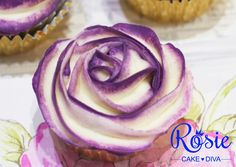 Rosie shows you how to use buttercream to pipe a beautiful two-tone rose on your cupcakes! Subscribe to Rosie Cake-Diva for more free tutorials and inspiration.