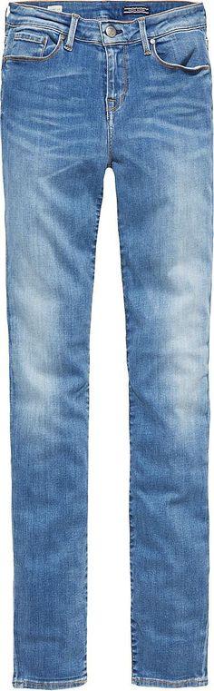 Die schöne gewaschene COMO von Tommy Hilfiger kommt mit einem engen Bein und tiefem Bund. Der leichte Stretchanteil garantiert eine perfekte Passform.92% Baumwolle, 6% Elastomultiester, 2% Elastan...