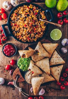 Burrito Samosas with Guacamole and Cashew Dip . vegan burrito samosas with mexican rice, guacamole salsa . vegan burrito samosas with mexican rice, guacamole salsa . Samosas, Mexican Breakfast Recipes, Mexican Food Recipes, Whole Food Recipes, Mexican Vegan Food, Burger Recipes, Guacamole Salsa, Vegan Recipes, Healthy Snacks