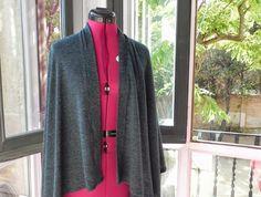 Bulbo: Poncho Blazer, Jackets, Fashion, Sewing Lessons, Ponchos, Down Jackets, Moda, Fashion Styles, Blazers