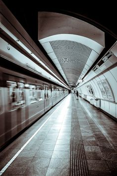 Photographer Captures The Stunning Symmetry Of Subway Stations Around The World - DesignTAXI.com