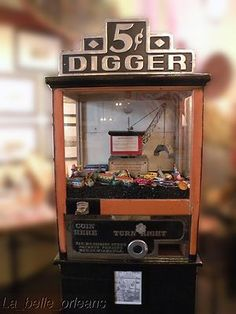 1932 Miami Digger penny arcade coin op crane/claw machine.