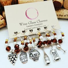 Wine Decor - Major Wine Tips That Help You Make Smarter Choices Tea Gifts, Coffee Gifts, Housewarming Gift Baskets, Housewarming Invitations, Congratulations Gift, Wine Decor, House Gifts, Wine Glass Charms, Romantic Gifts