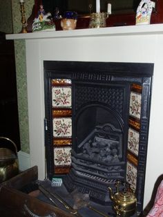 4 Masterful Tips: Faux Fireplace Wall fireplace drawing accent walls. Craftsman Fireplace, Cottage Fireplace, Candles In Fireplace, Fireplace Garden, Shiplap Fireplace, Victorian Fireplace, Fireplace Mirror, Concrete Fireplace, Rustic Fireplaces