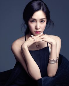 Producer of pop star Lady Gaga has invested in the new single song from popular pop star Tiffany Young. Tiffany put the music on the TV show at a TV event recently. Her new song 'Run for Your Life' is being released this month. Tiffany Girls, Snsd Tiffany, Tiffany Hwang, Girls' Generation Tiffany, Girls Generation, Sooyoung, Yoona, Singapore Fashion, Most Beautiful Faces