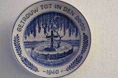 Delft Porceleine fles herdenkings bord  - meidagen 1940 door Leerdamart op Etsy
