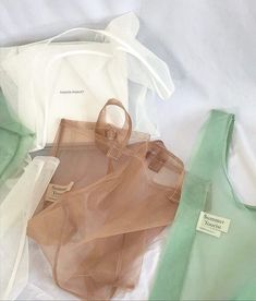 Natasha Holdgate Design :Packaging ideasIn love with these theopen_product mesh tote bags. subtle colours and no plastic in sight! Less plastic Organza, Fashion Bags, Womens Fashion, Fashion Accessories, Ideias Diy, No Plastic, Plastic Shop, Creation Couture, Mode Vintage
