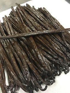 Madagascar Bourbon Vanilla Beans (extra long) Grade A