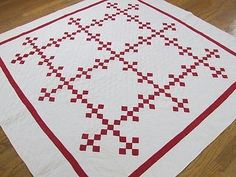 Antique c1900 Red Amp White Quilt Tiny Pieces Beautiful Graphic Pattern |