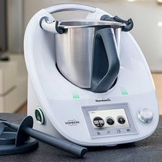 Many of you asked me for this index . here is a summary of all of my Thermomix recipes .)) I owned the TM 31 . Sauces Thermomix, Thermomix Desserts, Smart Kitchen, Kitchen Tools, Kitchen Appliances, Cake Ingredients, Kneading Dough, Smoked Beef Brisket, Essen