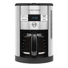Cafetière filtre programmable Cette cafetière-filtre de Riviera & Bar est programmable pour un départ différé. Idéal pour déguster une tasse de café au réveil ! Elle dispose d'une fonction sélecteur d'arômes, d'un écran digital et d'un système anti-goutte. Verseur en verre gradué. Support porte-filtre amovible pour un nettoyage facile. Fonction maintien au chaud et arrêt automatique après 30 min d'inutilisation.