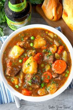 This Hearty Beef Stew will warm you to the bones. Tender cubes of beef, carrots and potatoes in a rich delicious sauce. Everyone is sure to crave! This hearty beef stew is comfort food at its best! It will definitely warm your soul! Beef Stew Stove Top, Hearty Beef Stew, Beef Stew Meat, Beef Stews, Slow Cooker Recipes, Cooking Recipes, Cooking Courses, Cooking Bacon, Cooking Games