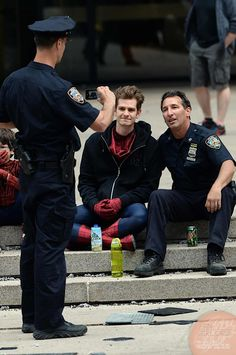 THE AMAZING SPIDER-MAN 2 Set Images. Police getting a picture with Andrew