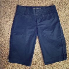 """Old Navy Mid Rise Navy Bermuda Shorts Size 1 Old Navy Mid Rise Navy Bermuda Shorts Size 1. Excellent Condition!  Inseam is 11"""". Old Navy Shorts Bermudas"""