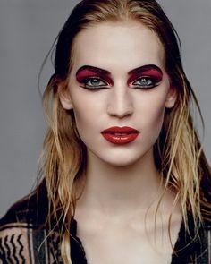 Яркий макияж на Ивана Купала.