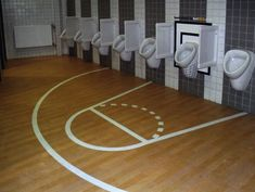 bet365 ambient marketing basket toilettes WC toilets alternatif creativity sticker advertising }-> repinned by www.BlickeDeeler.de
