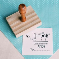 { Carimbo costurado com amor } Crafts For Teens, Diy And Crafts, Paper Crafts, Cute Packaging, Packaging Design, Diy Design, Logo Design, Thanks Card, Clothing Tags