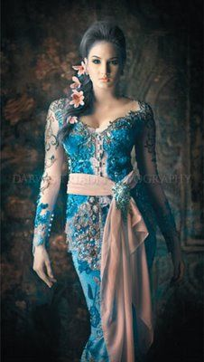 Everything about this image is beautiful - the ornate dress, the hair, makeup, pose, background. Batik Kebaya, Kebaya Dress, Modern Kebaya, Indonesian Kebaya, Dress Up, Indian Fashion, Womens Fashion, Saris, Traditional Dresses