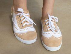 Zapatillas estilo Oxford .Tutorial AQUÏ . (con rotuladores o pintura para tela)