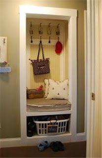 Biz Budget Designs: A Cute Idea For a Little Mud Room