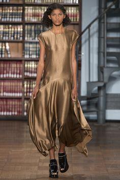 Sies Marjan Spring 2017 Ready-to-Wear Fashion Show - Liany Gomez