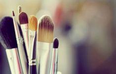 Glamorize with Sundas: Look For The Week : Natural day time makeup Beauty Art, Beauty Makeup, Eye Makeup, Makeup Case, Unicorn Hair Color, Makeup Life Hacks, Natural Hair Removal, Salon Signs, Beauty Salon Interior