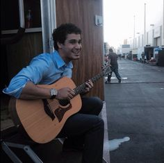 Elyes Gabel plays guitar and sings...AMAZINGLY!!!! GOD YOU CAN TAKE ME NOW!!!