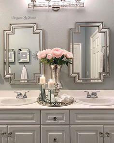 Blue And White Bathroom Accessories Elegant Bathroom Decor, Glamorous Bathroom, Pink Bathroom Decor, White Bathroom Accessories, Silver Bathroom, Purple Bathrooms, Bathroom Ideas, Bathroom Remodeling, Small Bathroom