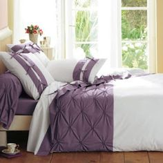http://sewingbreakdown.blogspot.com/2012/06/cover-bed-luxury.html