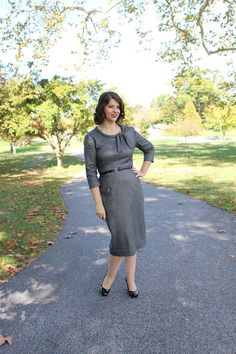 Handmade By Heather B: Just going for a stroll - The Sew Over It Joan Dress Joan Holloway, Heather B, Sew Over It, Man Icon, Fall Weather, Just Go, Vintage Inspired, Collars, Couture