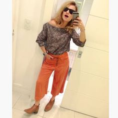 Dujour - BiancaCoimbra is wearing Le Chic Boots, Dress To Pants, Zara Blouse and Ray Ban Glasses