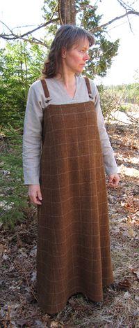Maira Åhren's apron dress with back gore. Interesting reconstruction