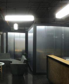 Proyecto de Luxycon con las luminarias Hielo en el Museo de Arte Moderno de Medellín.  #Iluminación #IluminaciónInterior #IluminaciónLed #Light #Lighting #Lightdesign #Led #Lights #Diseño #Interior #Interiordesign #Arquitectura #ArquitecturaInterior #Architecture #Museo #Museum #Medellin #IluminaTusIdeas #Luxycon
