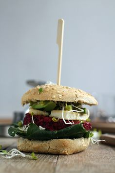 Chickpea beet burgers with halloumi cheese and avocado | Yellow lemon tree
