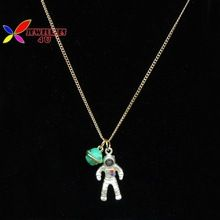 2015 moda menina de ouro prata cadeia astronauta universo pingente e colar para mulheres colar falso colar curto corto(China (Mainland))