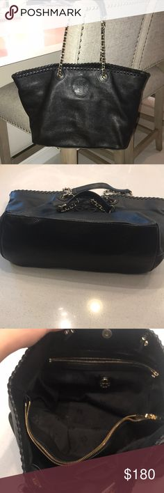 Black Tory Burch Bag Used with no major signs of wear! This bag is super cute no matter the occasion. Let me know if you have any questions Tory Burch Bags Shoulder Bags