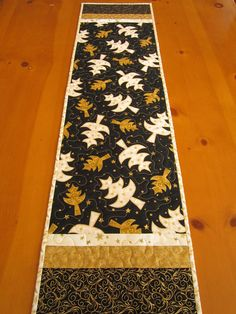 Christmas Table Runner Trees, Quilted Table Runner, Gold Christmas Tree, Holiday Decor