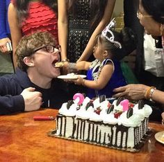 Ma Petite's American Horror Story: Freak Show Birthday Celebrations Are Awesome! | moviepilot.com