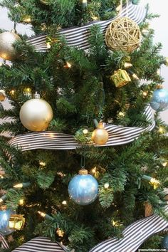 the black gold and blue christmas tree - Easy Christmas Tree Decorations