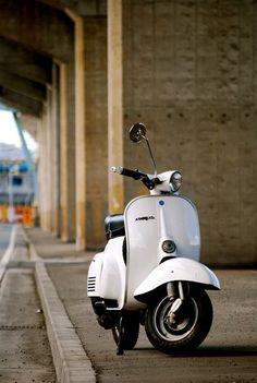 Vespa Motorcycle, Vespa Ape, Piaggio Vespa, Lambretta Scooter, Vespa Scooters, Best Scooter, Scooter Girl, Vespa Smallframe, Italian Scooter