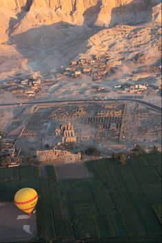 Temple of Ramses II, West Bank of the Nile, Luxor, Egypt