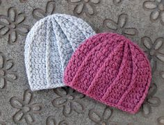 Ravelry: Ribbed Adult Beanie by Hooked On Laura--Free Pattern :-).. Super Cute!! Thanks Laura for sharing your work!!**