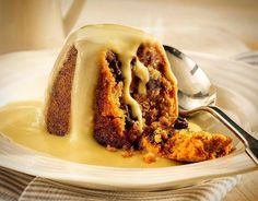 Spotted Dick with Hot Custard 🍮🍁 #spotteddick #custard #winter #treats #dessert #maidstone #DLishious